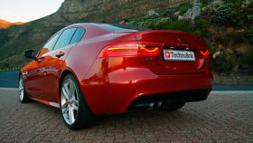 Фото Jaguar, XE, ягуар, седан, корма, фонари